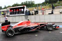 Max Chilton, Marussia F1 Team MR02 leaves the pits