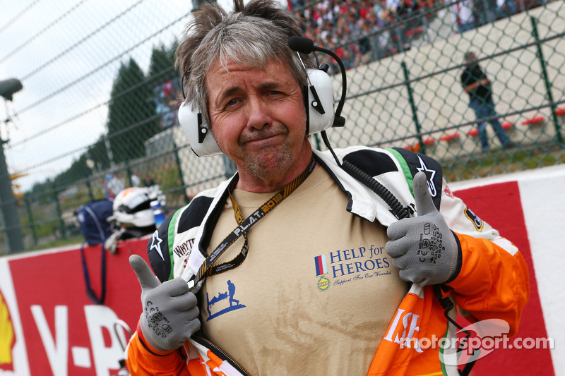 Neil Dickie, Sahara Force India F1 Team supporting Help for Heroes on the grid