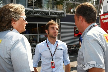 Luca Filippi, Sky Sports F1 TV Presenter, with Mario Isola, Pirelli Racing Manager