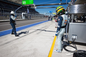 Bruno Senna ready for his stint