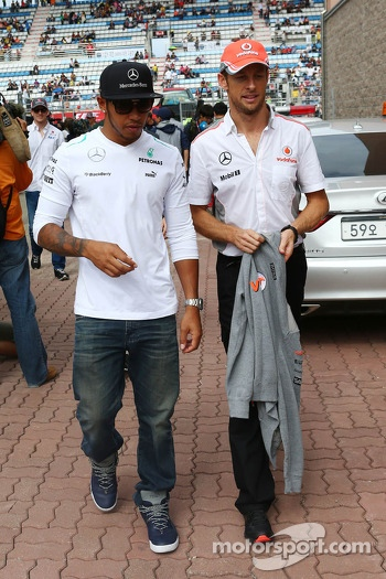 (L to R): Lewis Hamilton, Mercedes AMG F1 and Jenson Button, McLaren on the drivers parade