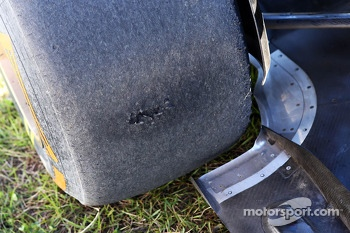 Worn Pirelli tyre on the Lotus F1 E21 of Kimi Raikkonen, Lotus F1 Team, who spun in the second practice session