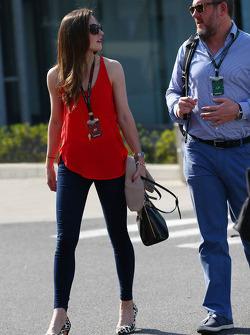 Laura Jordan, girlfriend of Paul di Resta, Sahara Force India F1, with Richard Goddard, Driver Manager