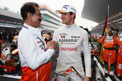 (L to R): Subrata Roy Sahara, Sahara Chairman with Adrian Sutil, Sahara Force India F1 on the grid
