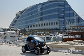 Mark Webber drives the all-electric Renault Twizy