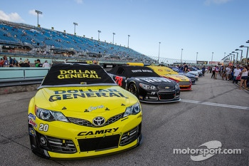 Pole winning car of Matt Kenseth, Joe Gibbs Racing Toyota on the starting grid