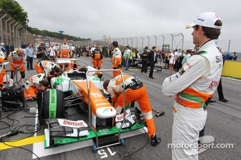 Adrian Sutil, Sahara Force India VJM06 on the grid