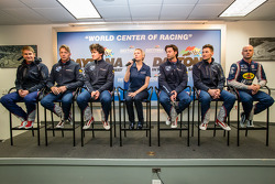 SRT Motorsports press conference: Ryan Hunter-Reay, Marc Goossens, Dominik Farnbacher, Jonathan Bomarito, Kuno Wittmer, Rob Bell