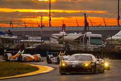 #555 Level 5 Motorsports Ferrari 458 Italia: Scott Tucker, Townsend Bell, Bill Sweedler, Jeff Segal