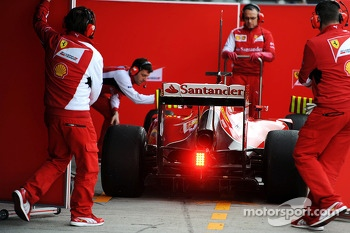 Kimi Raikkonen, Ferrari F14-T about to go behind covers