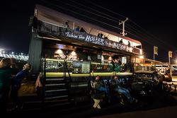 Moonshiner bar