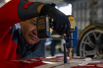 Installing the Motorsport.com 360 cam on the #63 Scuderia Corsa Ferrari 458 Italia