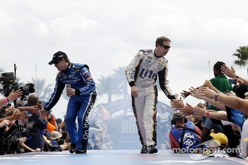 Ricky Stenhouse Jr., Roush Fenway Racing Ford and Brad Keselowski, Team Penske Ford