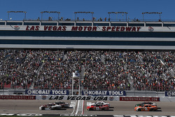 Start: Ty Dillon and Brad Keselowski lead