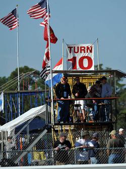 Fans in turn 10