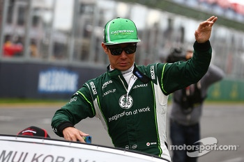 Kamui Kobayashi, Caterham on the drivers parade