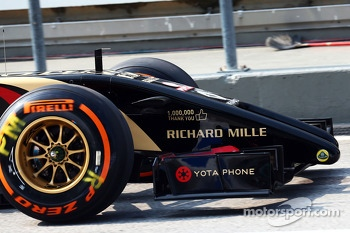Lotus F1 E22 with branding celebrating one million Facebook likes