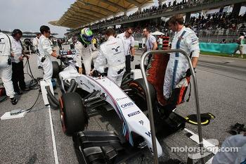 Felipe Massa, Williams FW36 on the grid