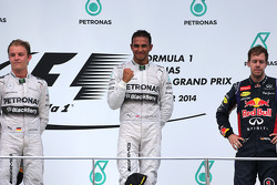 Nico Rosberg (GER), Mercedes AMG F1 Team, Lewis Hamilton (GBR), Mercedes AMG F1 Team and Sebastian Vettel (GER), Red Bull Racing  30