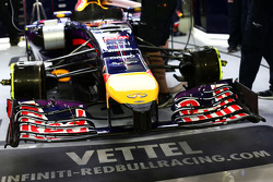 Sebastian Vettel, Red Bull Racing RB10 front wing