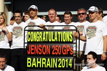 Jenson Button, McLaren celebrates his 250th GP with the team