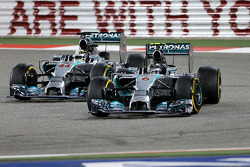梅赛德斯AMG F1车队刘易斯·汉密尔顿和梅赛德斯AMG F1车队的尼科·罗斯伯格