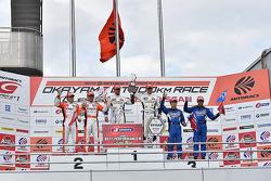 GT500 winners Daizuke Ito and Andrea Caldarelli, second place Kazuya Oshima, Yuji Kunimoto, third place Hironobu Yasuda, Joao Paulo de Oliveira