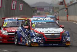Tom Coronel, Cevrolet RML Cruze TC1, Roal Motorsport and Robert Huff, LADA Granta 1.6T, LADA Sport Lukoil