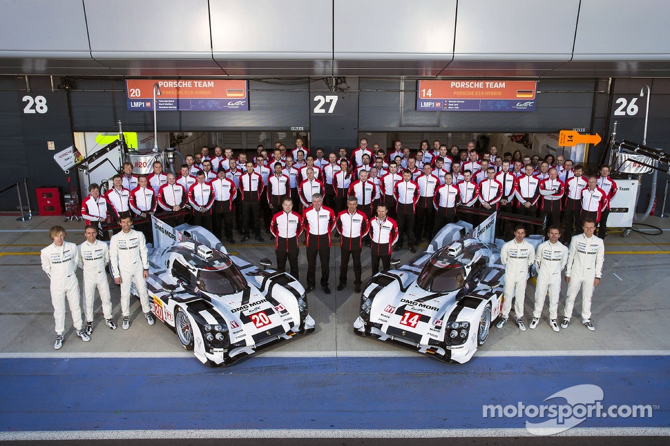 #14 Porsche Team Porsche 919 Hybrid: Romain Dumas, Neel Jani, Marc Lieb and #20 Porsche Team Porsche 919 Hybrid: Mark Webber, Brendon Hartley, Timo Bernhard