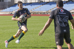 Jamie Whincup trains with Aussie Rules Football team, the Warriors