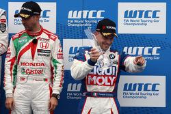 3rd position Tiago Monteiro, Honda Civic WTCC, Castrol Honda WTCC Team and Pasquale Di Sabatino, BMW 320 TC, Liqui Moly Team Engstler 1st position Yokohama Trophy