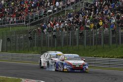 Tom Coronel, Chevrolet RML Cruze TC1, Roal Motorsport and Yvan Muller, Citroen C-Elysee WTCC, Citroen Total WTCC