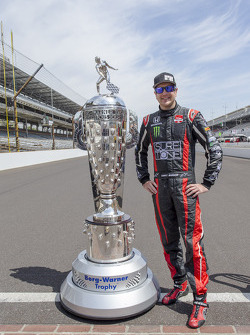 Kurt Busch with the Borg-Warner trophy