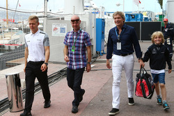 Kevin Magnussen, McLaren, with his father Jan Magnussen