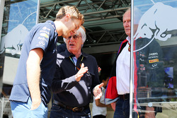(L to R): Sebastian Vettel, Red Bull Racing with Bernie Ecclestone, and Dr Helmut Marko, Red Bull Motorsport Consultant
