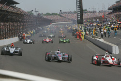 The field pulls out for the runinng of the 98th Running of the Indianapolis 500