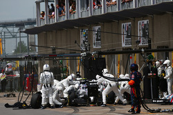 Valtteri Bottas, Williams FW36 makes a pit stop