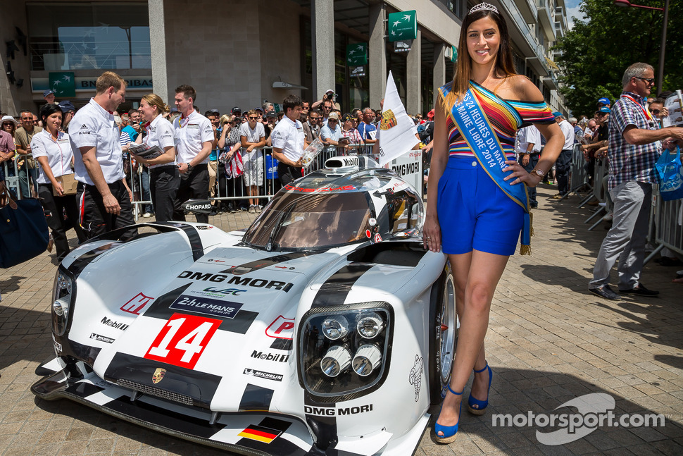 Miss Le Mans 2014 with the #14 Porsche Team Porsche 919 Hybrid