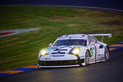 #92 Porsche Team Manthey Porsche 911 RSR (991): Marco Holzer, Frederic Makowiecki, Richard Lietz