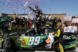 NASCAR-CUP: Race winner Carl Edwards, Roush Fenway Racing Ford