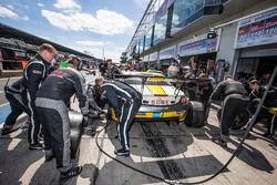 Pit stop for #22 Rowe Racing Mercedes-Benz SLS AMG GT3: Maro Engel, Nico Bastian, Christian Hohenadel, Michael Zehe