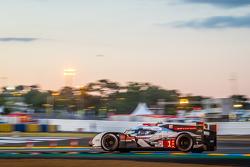 #1 Audi Sport Team Joest Audi R18 E-Tron Quattro: Lucas Di Grassi, Marc Gene, Tom Kristensen