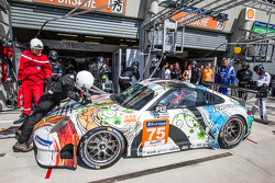 Pit stop for #75 Prospeed Competition Porsche 911 GT3 RSR (997): François Perrodo, Emmanuel Collard, Markus Palttala