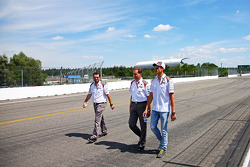 Adrian Sutil, Sauber walks the circuit