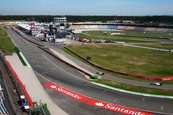 Felipe Massa, Williams FW36 leads team mate Susie Wolff, Williams FW36 Development Driver into the pits