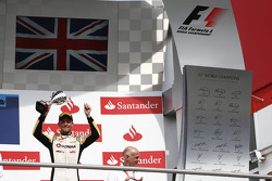 Podium: third place Jolyon Palmer