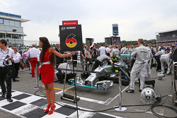 Nico Rosberg, Mercedes AMG F1 W05 on the grid