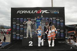 Podium: winner Darren McNamara, second place Dean Kearney, third place Chris Forsberg
