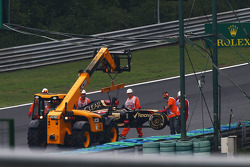 Romain Grosjean, Lotus F1 E22 crashed out of the race