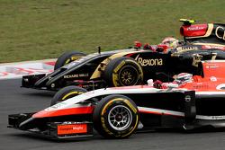 F1: Jules Bianchi, Marussia F1 Team  and Pastor Maldonado, Lotus F1 Team